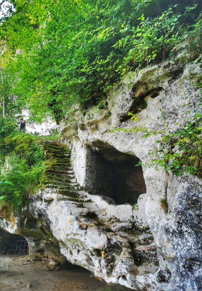 fort troglodyte de la roque saint christophe